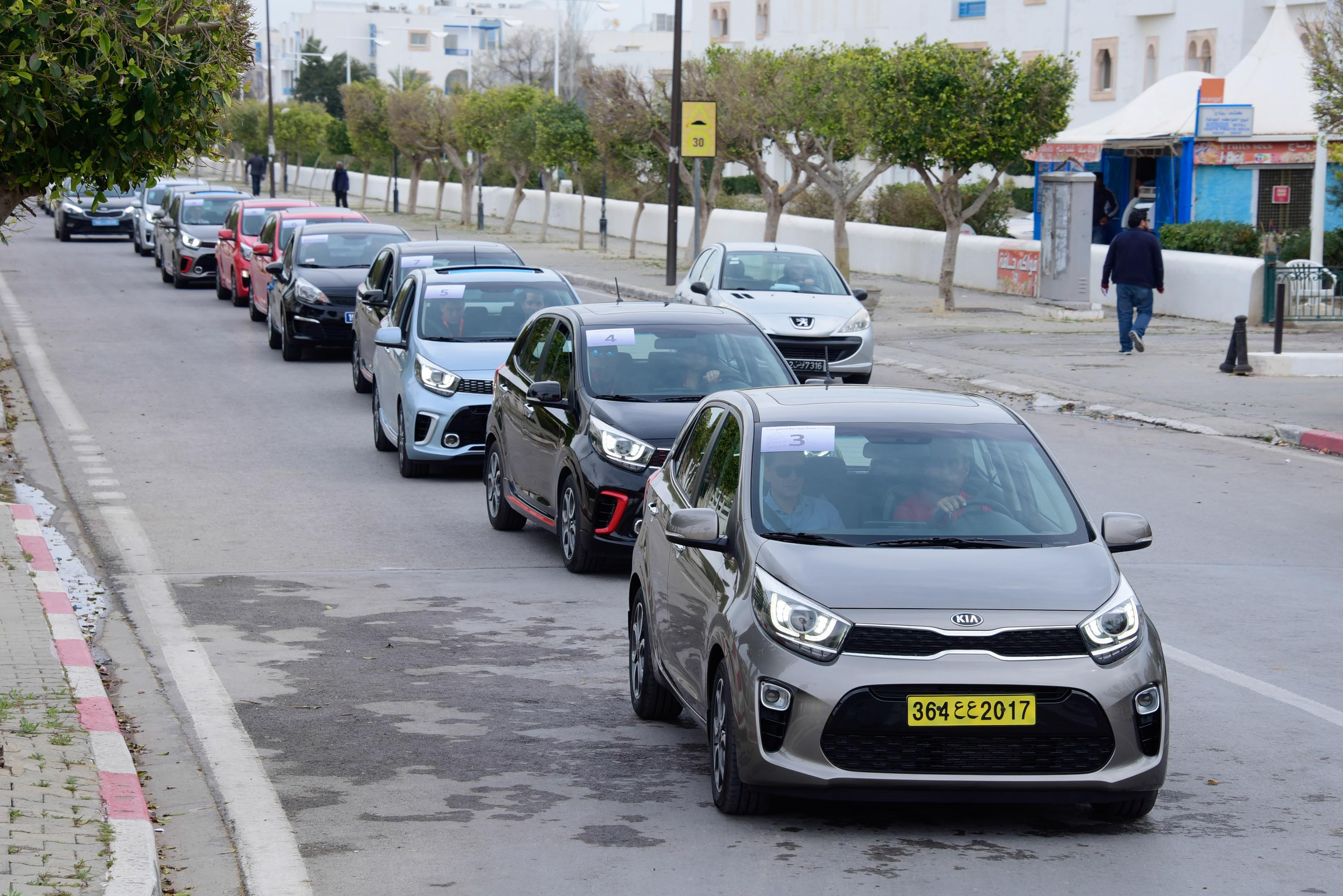 an analysis of costumers reports auto hub offers Analysis - mercedes-benz  as the zero-emission car continues to win over customers across the region  and now there's just-auto plus,.